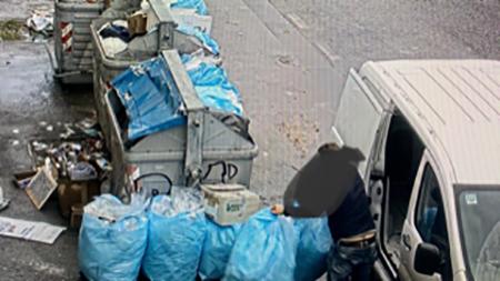 Napoli, responsabili abbandoni rifiuti speciali