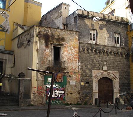 Palazzo Penne a Napoli
