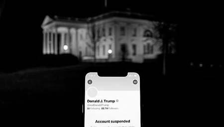 Account Twitter di Donald Trump sospeso