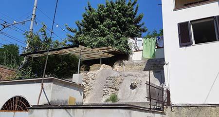 Struttura romana inglobata in edificio moderno a via Vigne a Napoli