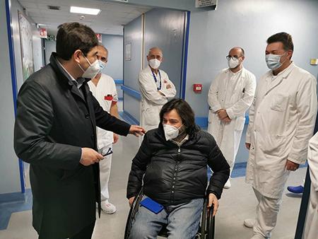 Alessio D'Amato in visita all'Unità Spinale del CTO