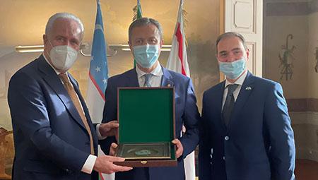 Eugenio Giani, Otabek Akbarov e Leonardo Comucci