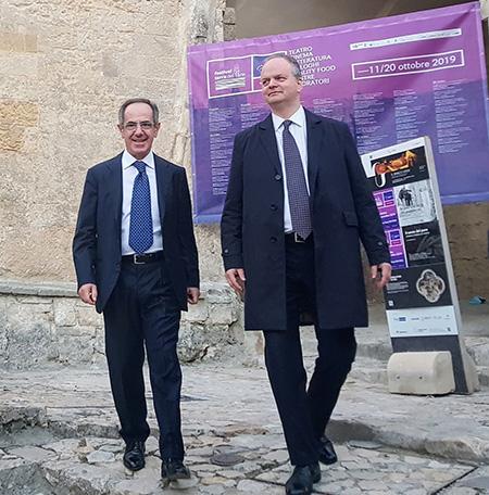 Vincenzo Santochirico ed Eike Schmidt