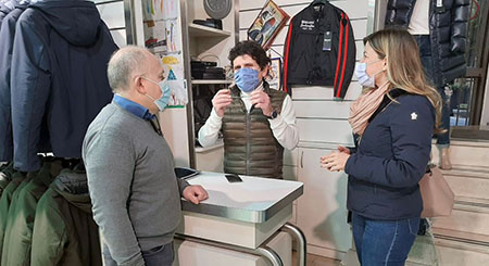 Alessandra Clemente al negozio Vinciguerra a Napoli
