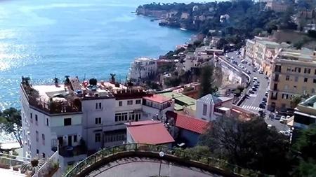 Napoli via Petrarca