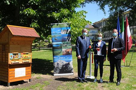 Nel parco FEM inaugurate due arnie nella Giornata mondiale delle api