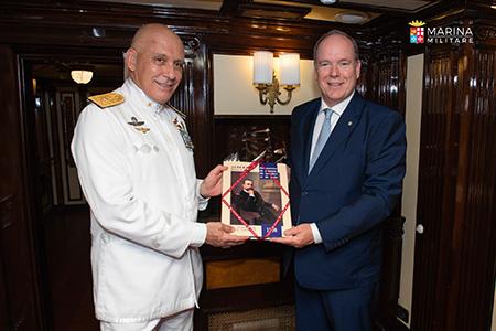 Contrammiraglio Massimiliano Nannini con il Principe Alberto di Monaco