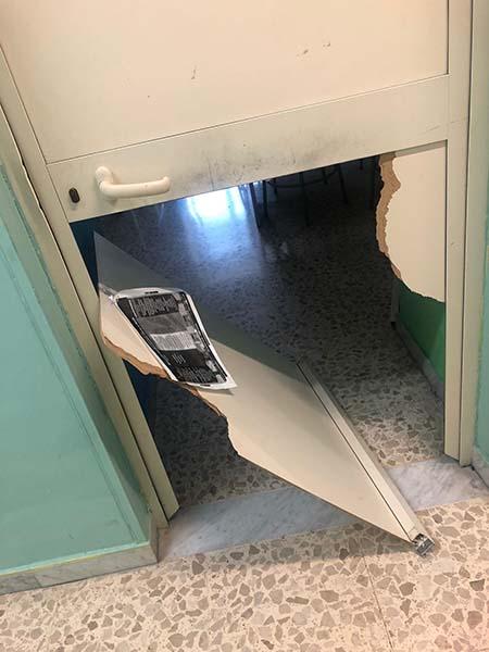 Napoli, furto alla scuola Mastriani di Poggioreale