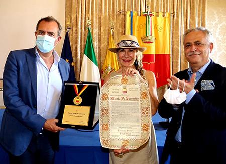riconoscimento per Martha De Laurentiis - Luigi de Magistris, Januaria Piromallo e Nino Daniele