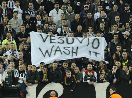 Striscione Vesuvio wash it